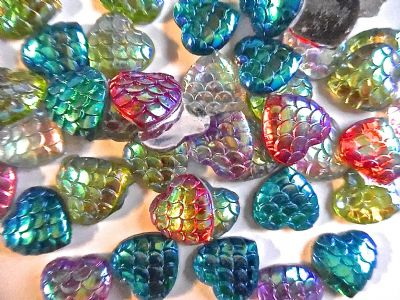 50 assorted  Acrylic Heart Cabochons Dragon/Mermaid Scale pattern 12mm